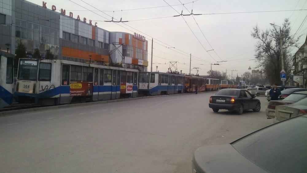 В Таганроге трамваи устроили вынужденную забастовку