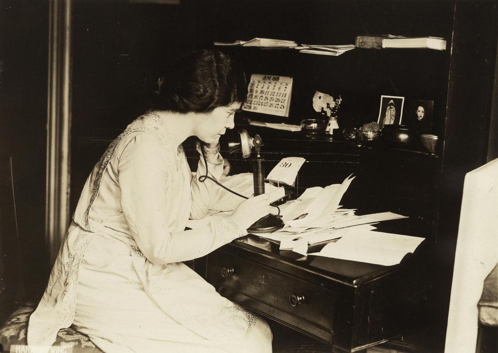 мастеров тату фото первых телефонных станций полагают, что девы