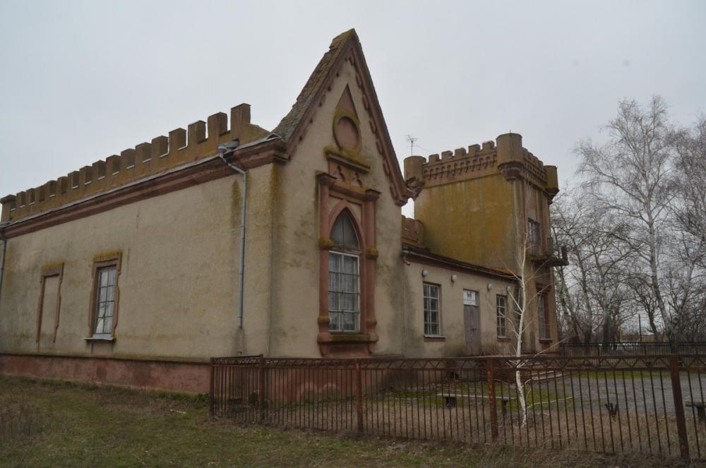 Замок Лакиера под Таганрогом не нужен ни федеральной, ни региональной администрации