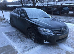 В Таганроге прохожие наказали водителя иномарки за неправильную парковку