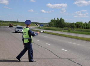Пачку сигарет, начиненную наркотиками, нашли у пассажира легковушки на трассе Таганрог-Ростов