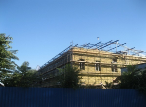 В Таганроге предприняли третью попытку по восстановлению главного корпуса роддома