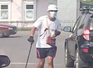 Брезгливый попрошайка из Таганрога придумал, как дожить до пенсии в опасном городе