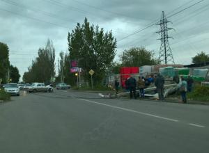 Столкновение двух отечественных авто повлекло за собой обрыв линий электропередач в Таганроге