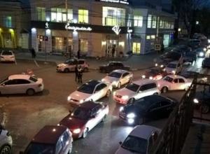 Движение транспорта на центральных улицах Таганрога заморозят из-за киносъемок