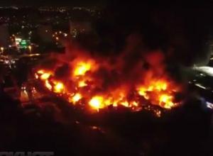 Пожарные Таганрога помогли в тушении страшнейшего пожара на рынке «Темерник» в Ростове-на-Дону