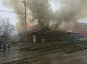 В Таганроге произошел страшный  пожар – горело кафе «Зонтик»