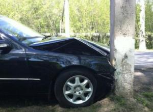 Под Таганрогом 19-летний парень угнал авто и попал в аварию