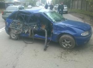 Серьезные травмы получила молодая пассажирка такси «Везет» в ДТП с внедорожником в Таганроге