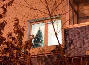 Любители новогодних праздников наблюдаются в Таганроге по сей день