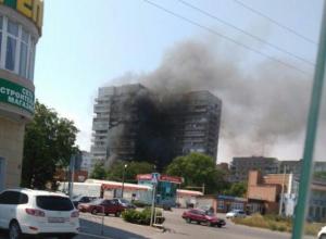 В Таганроге полыхает печально известная  17-тиэтажка