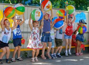 Закаляемся, играем – в детском саду №101 Таганрога оздоровительная пора