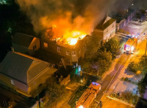 Сгорел двухэтажный дом в Таганроге
