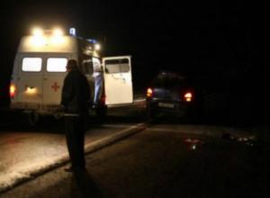 Молодой прохожий жестко приземлился на асфальт от удара о капот иномарки в Таганроге