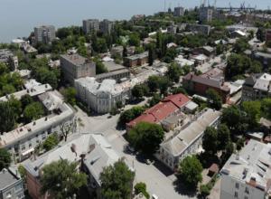 «На троечку» оценил таганрогские дороги автопутешественник