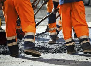 Очередной ремонт дороги закрыл  движение на 3 месяца в Таганроге