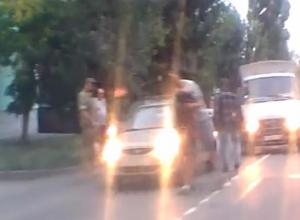 Дорожная потасовка закончилась боями на лопатах в Таганроге