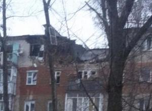 В Таганроге после взрыва обрушился подъезд жилой многоэтажки