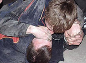 В Таганроге 23-летний парень до полусмерти избил своего собутыльника