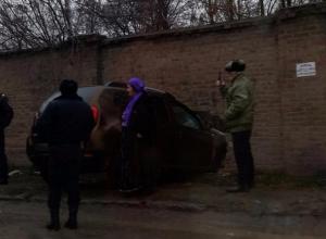 В Таганроге водитель иномарки предпринял попытку «ворваться» на завод