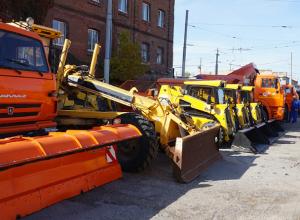 В Таганроге  демонстрировали технику, что будет  работать зимой на улицах города