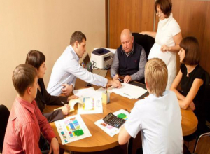 Идею ужесточить на законодательном уровне контроль за работой УК поддержали жители Таганрога