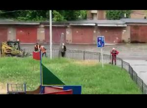 «Мартышкин труд» -  так можно назвать уборку мусора на Москатова