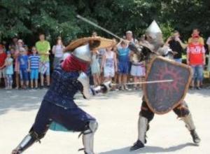 Юные таганрожцы состязались рыцарском турнире