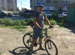 Продвинутые  горожане на велосипедах объявили бойкот компаниям, торгующих бензином