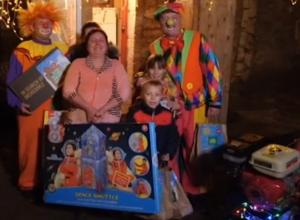 Дед Мороз из Великого Устюга исполнил мечту многодетной семьи  в Неклиновском районе