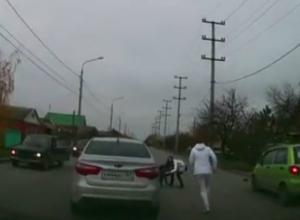 Последствия наезда молодой автоледи на школьника, переходившего дорогу по «зебре» в Таганроге, попали на видео