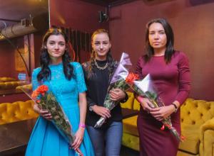 В ресто-клубе «Октябрь» состоялось награждение победительниц  конкурса «Мисс бикини Блокнот-Таганрог -2018»