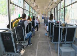 «Аварийной помойкой» назвали таганрожцы местные трамваи
