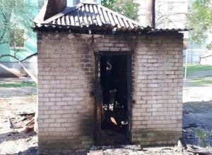 Сгоревший мини-домик в Таганроге не хотят сносить
