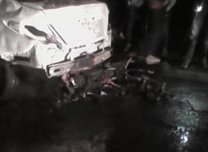 В Таганроге ищут водителя мотоцикла, из-за которого загорелась припаркованная иномарка