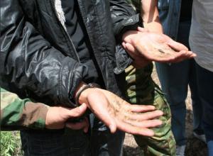 В окрестностях Таганрога сотрудники полиции задержали подозреваемого в незаконном хранении марихуаны