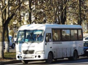 В Таганроге водитель маршрутки ввел фейс-контроль в свой автобус