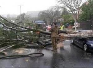 Сильнейший шторм с грозой и градом идет на Таганрог