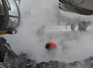 В Таганроге в районе Старого вокзала прорвалась канализация