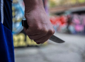 Ловкий мужчина с перочинным ножичком за четыре месяца распотрошил 12 автомобилей в Таганроге