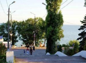 Таганрожец указал на недоработки после первого этапа ремонта Приморского парка