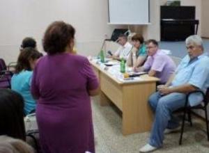 Жители Русского поля пообщались с представителями администрации