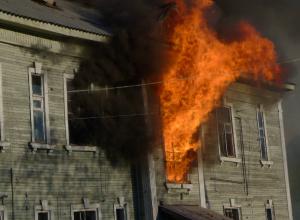 Серьезные ожоги получила женщина при пожаре в двухэтажном доме Таганрога