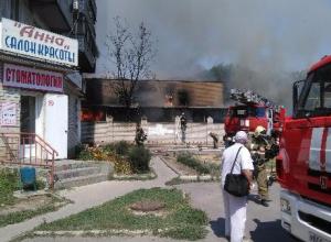 В сети появились видеокадры первых минут горения 17-тиэтажного дома в Таганроге