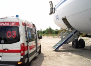 Юного жителя Таганрога забрали на Скорой с трапа самолета