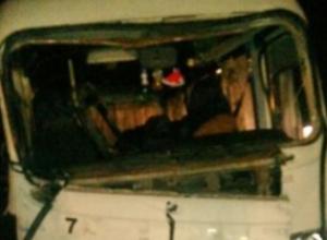 В Ростове маршрутка Ростов-Таганрог врезалась в грузовик