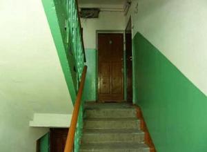 Настойчивая пенсионерка «отвоевала» лестничную площадку у соседей в Таганроге