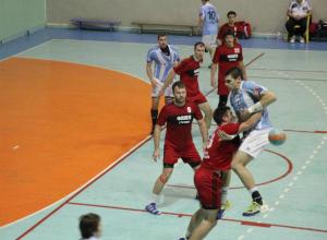 Всероссийские соревнования по гандболу проходят в Таганроге на этой неделе
