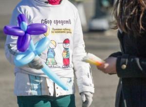 «Волонтеры» с боксами для пожертвований совершили кражу средь бела дня в Таганроге