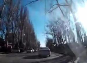«Мамочка-камикадзе» попала на камеру видеорегистратора в Таганроге